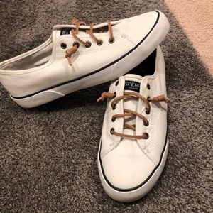 Sperry canvas shoes 8.5
